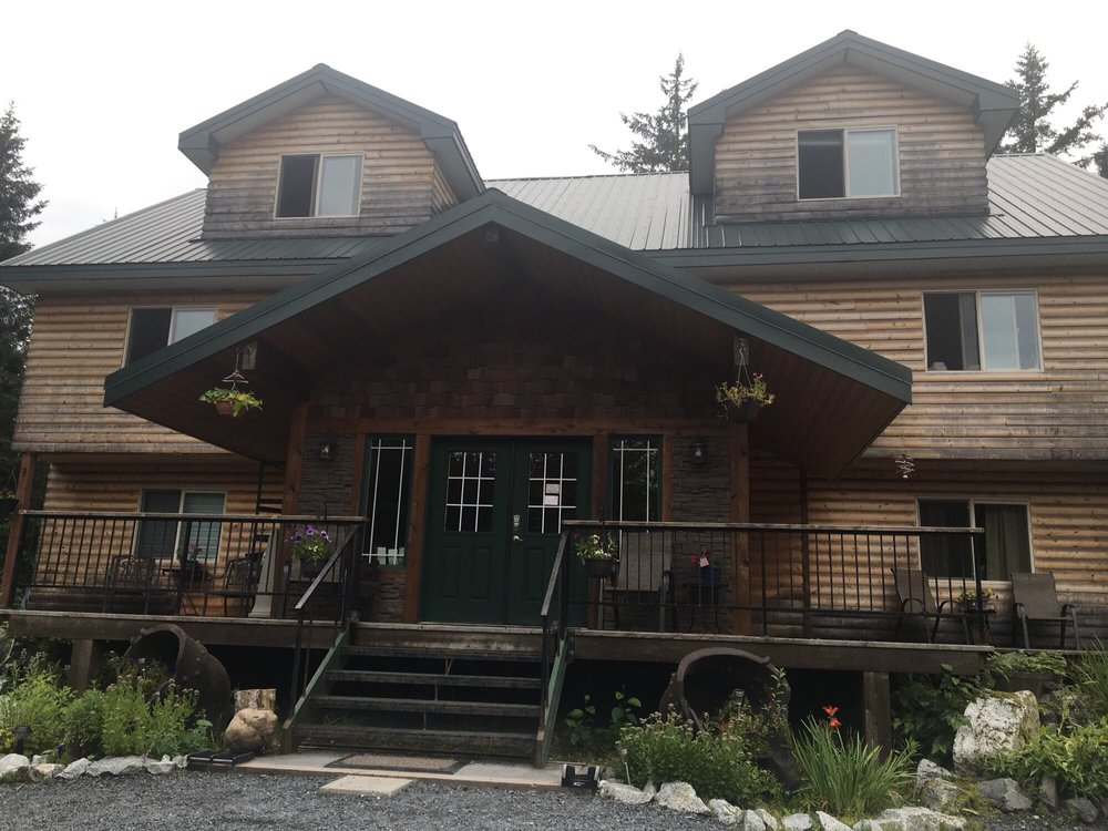 Twin Peaks Lodge & Rv: 12109 Old Exit Glacier Rd, Seward, AK