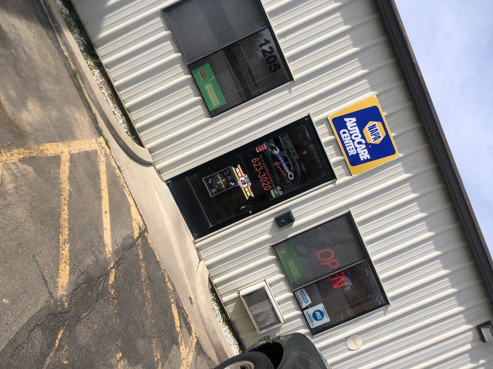 Manzo's Garage: 1205 E Winnemucca Blvd, Winnemucca, NV