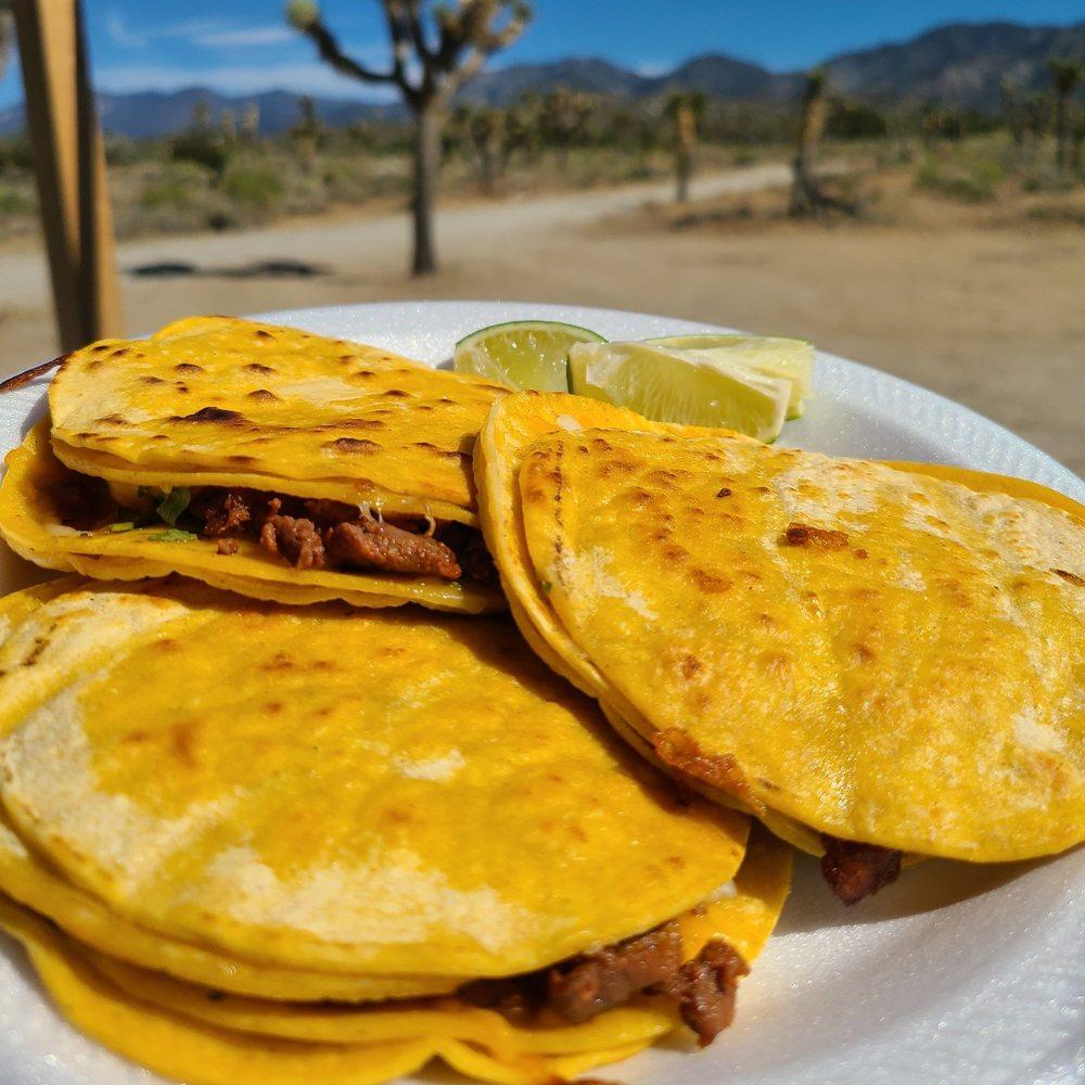 Familia Barrios Taco Grill: 7704 Pearblossom Hwy, Littlerock, CA