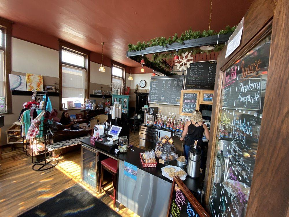 Red Moose Coffee Hus: 101 Main St N, Tioga, ND