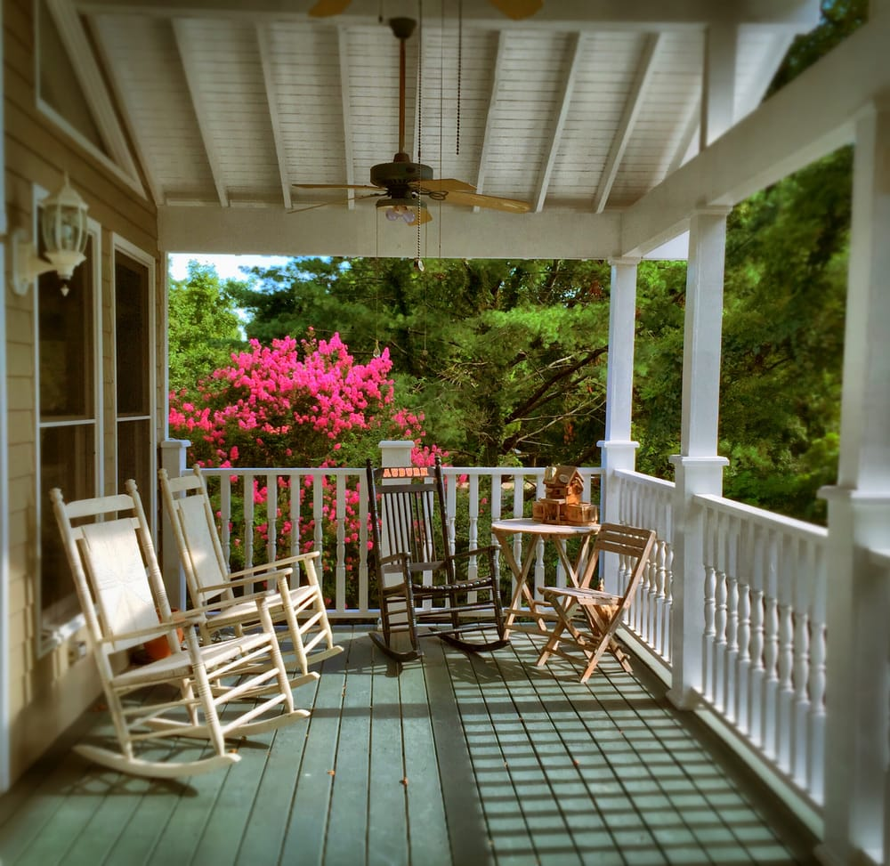 Magnolia House Bed & Breakfast - Hotels - 1317 Columbia Ave ...