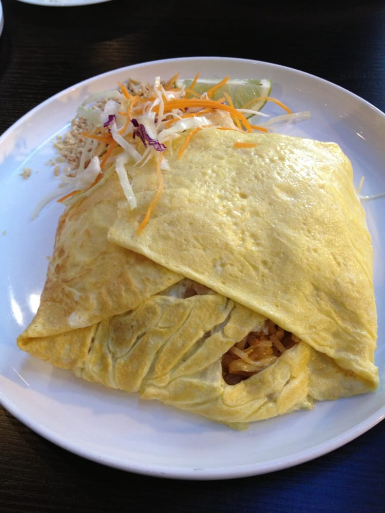 Photo of Siam Rice - Chicago, IL, United States. Pad Thai omelette
