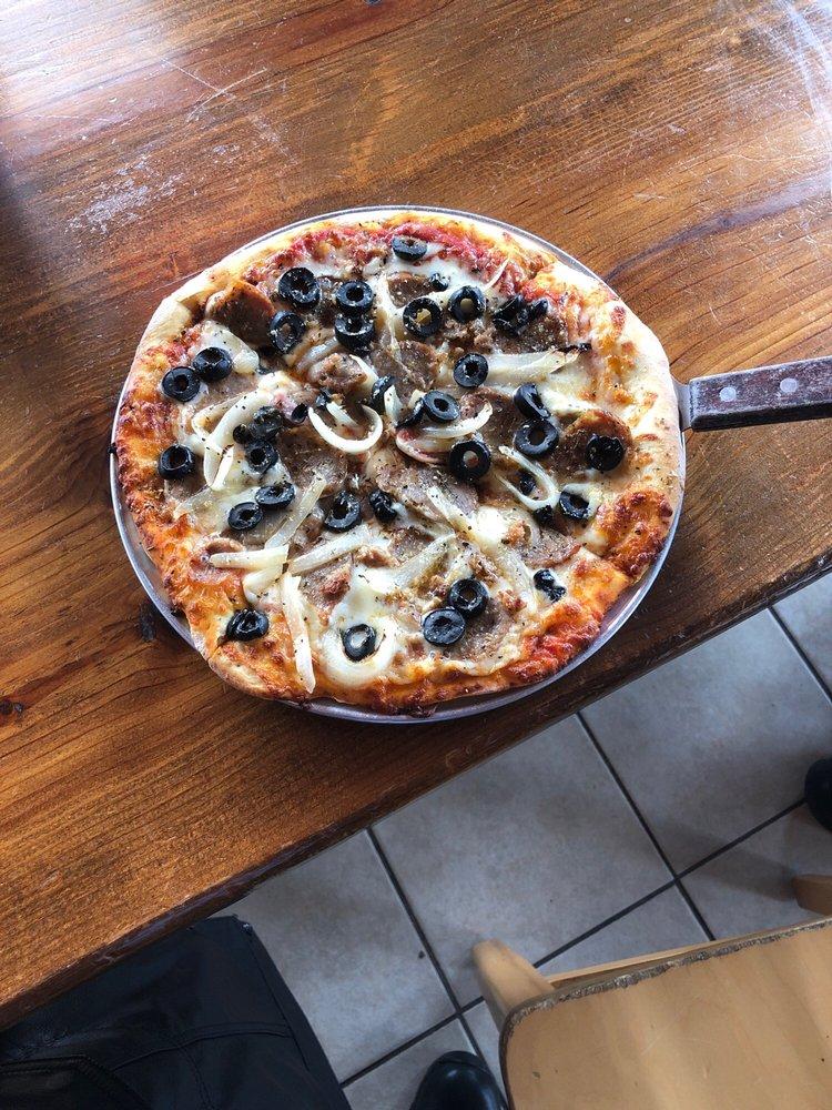 Reba's Pizzeria & deli: 539 E Colorado St, La Grange, TX