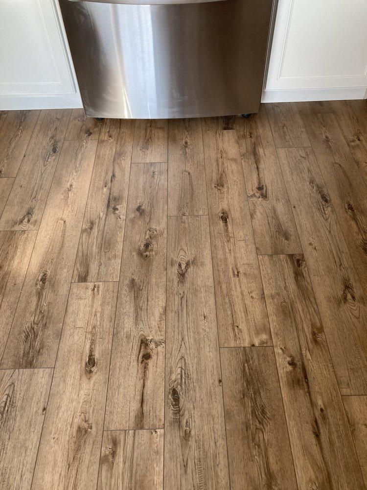 Till's Flooring & Carpentry: 409 E Platt, Maquoketa, IA