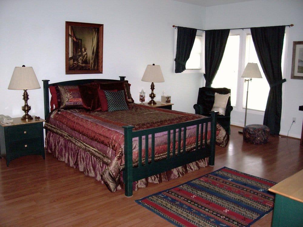 Pinnacle View Inn Bed & Breakfast: 491 Log Cabin Rd, Berea, KY