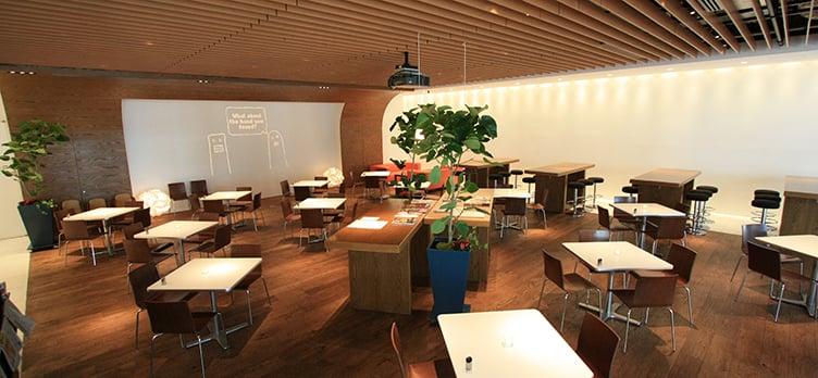 Hills Café / Space