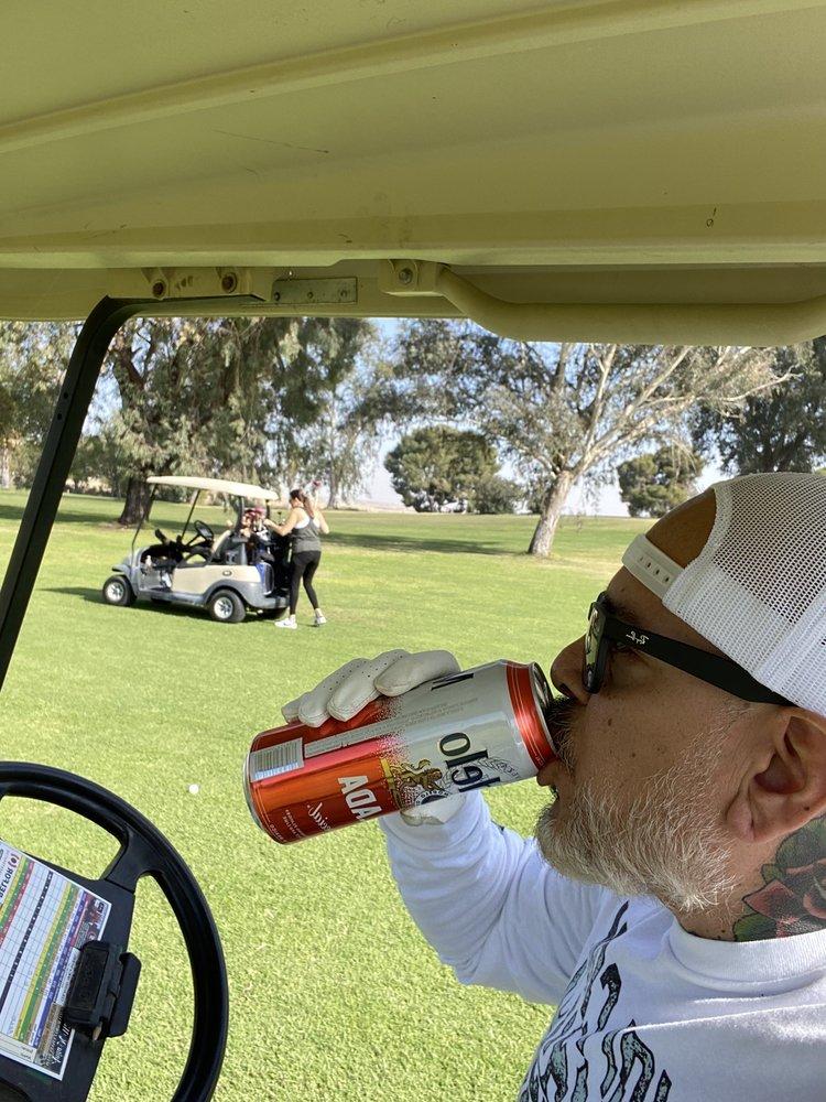 Buena Vista Golf Course: 10256 Golf Course Rd, Taft, CA