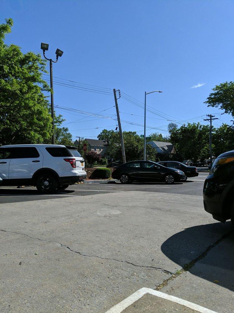 Brendan's Service Station: 7636 164th St, Fresh Meadows, NY