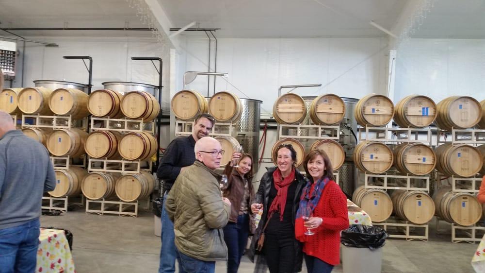 Garza Wine Tours: 405 Wellington Ave, Walla Walla, WA