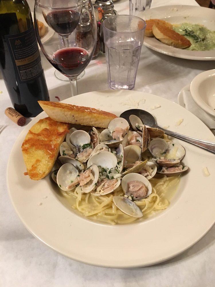 Tantardino's Pizza And Pasta: 401 Ponderosa Dr, Westwood, CA