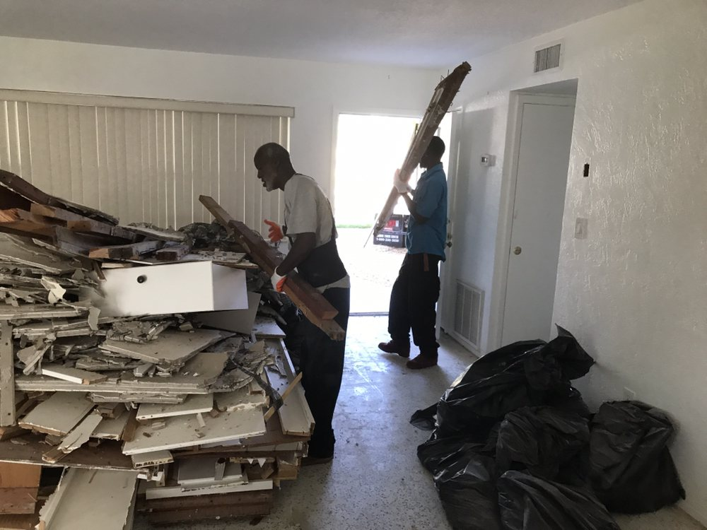 Action Junk Removal: Clearwater, FL