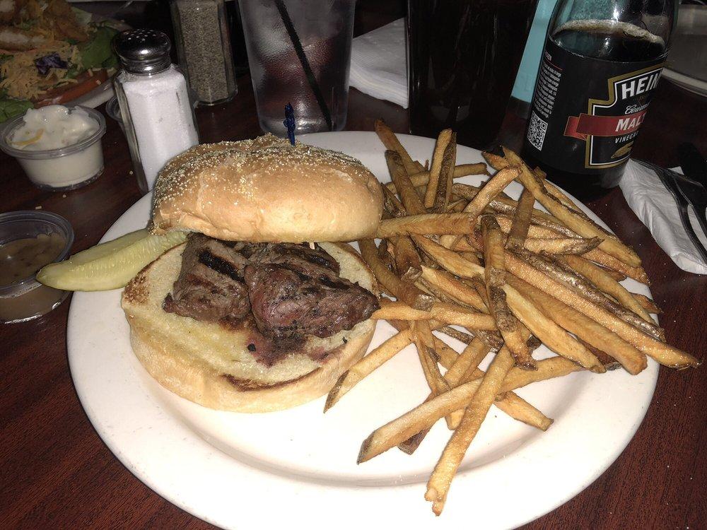 O'Bryan's Pub: 1065 Claremont Ave, Ashland, OH