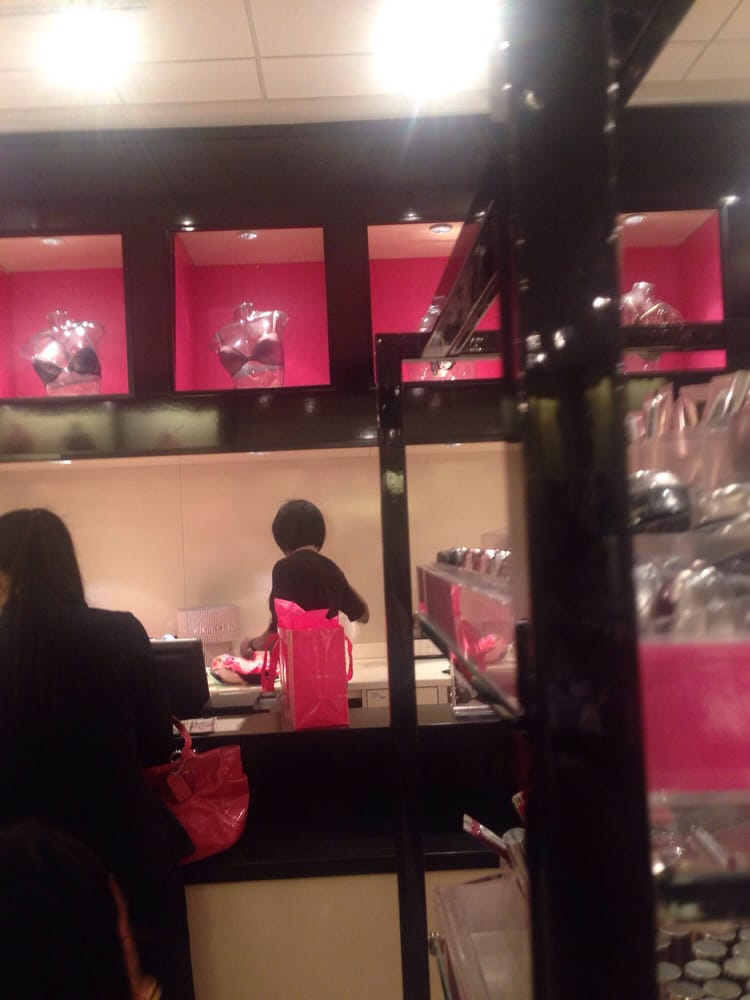 Victoria's Secret: 6801 Northlake Mall Dr, Charlotte, NC