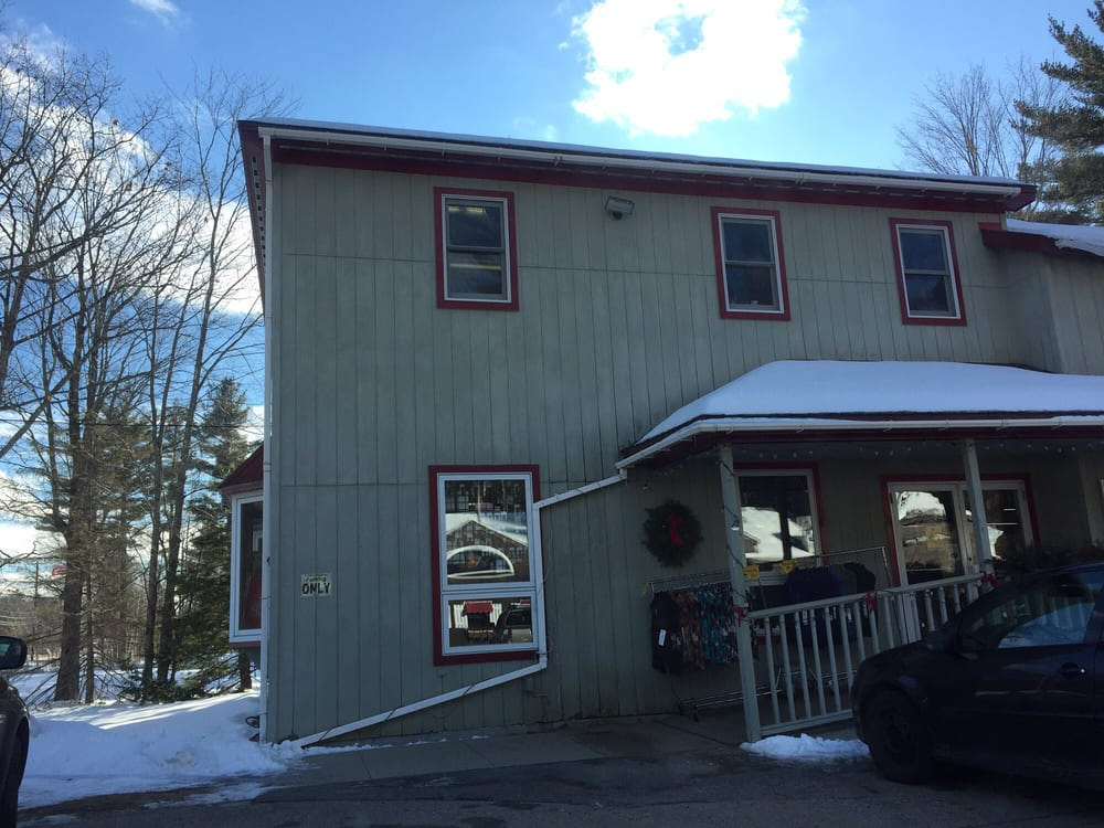 Ragged Mountain Factory Outlet: 279 Nh Rte 16-302, Intervale, NH