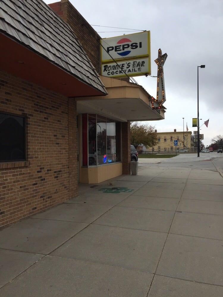 Ronnie's Bar: Tekamah, NE