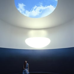 the color inside a skyspace by james turrell local flavor 2201 speedway 22nd st university. Black Bedroom Furniture Sets. Home Design Ideas