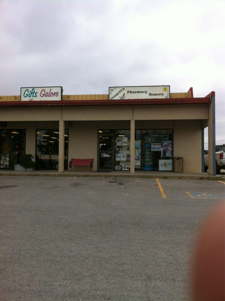 Everett's Pharmacy Sonora: 417 Hwy 277 North, Sonora, TX