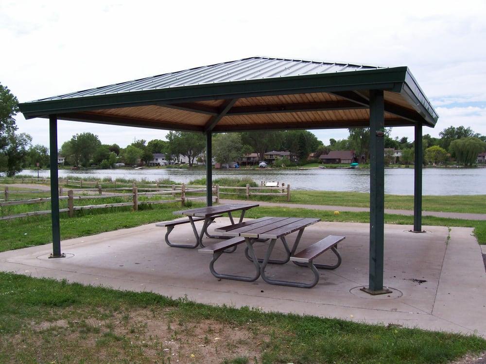 Twin Lake Beach Park: 4701 Twin Lake Ave, Minneapolis, MN