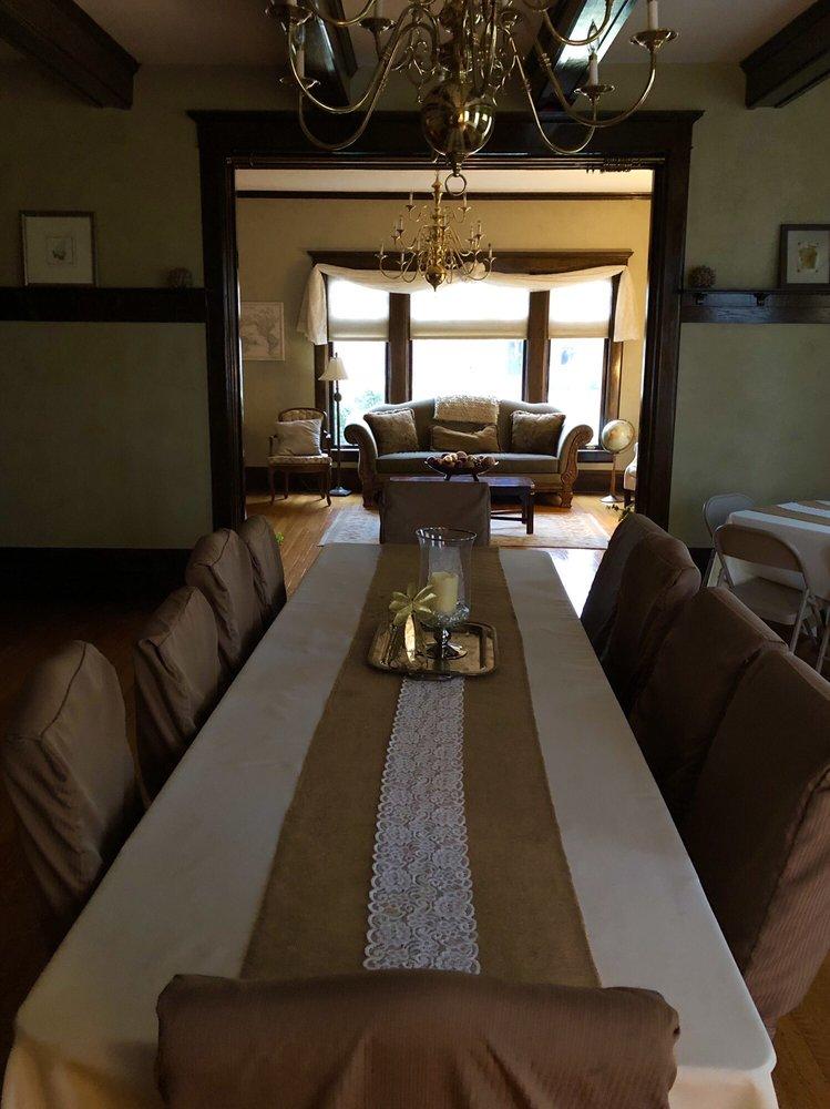 The Social House Inn: 311 W Main St, Carmi, IL