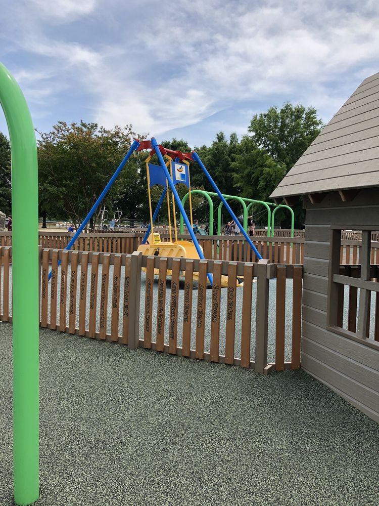 Recreation Acres: 107 White Rd, King, NC