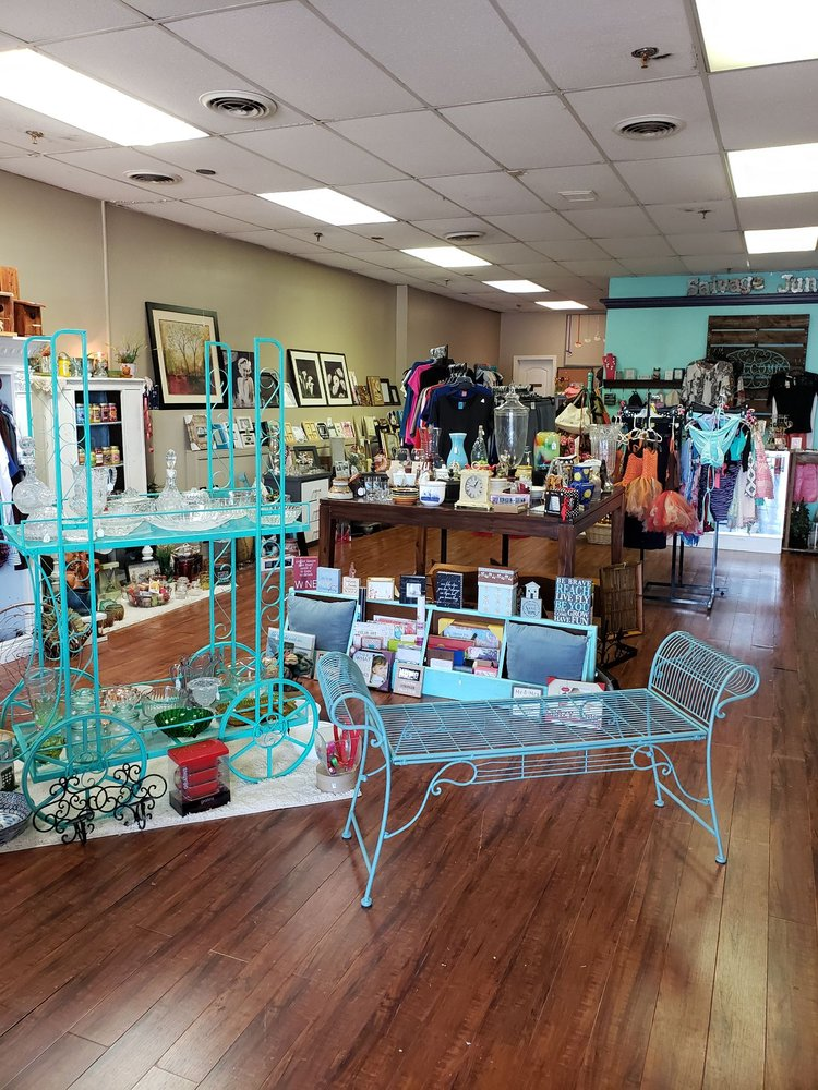 Thrifty Treasures Boutique: 130 W Main St, Morristown, TN