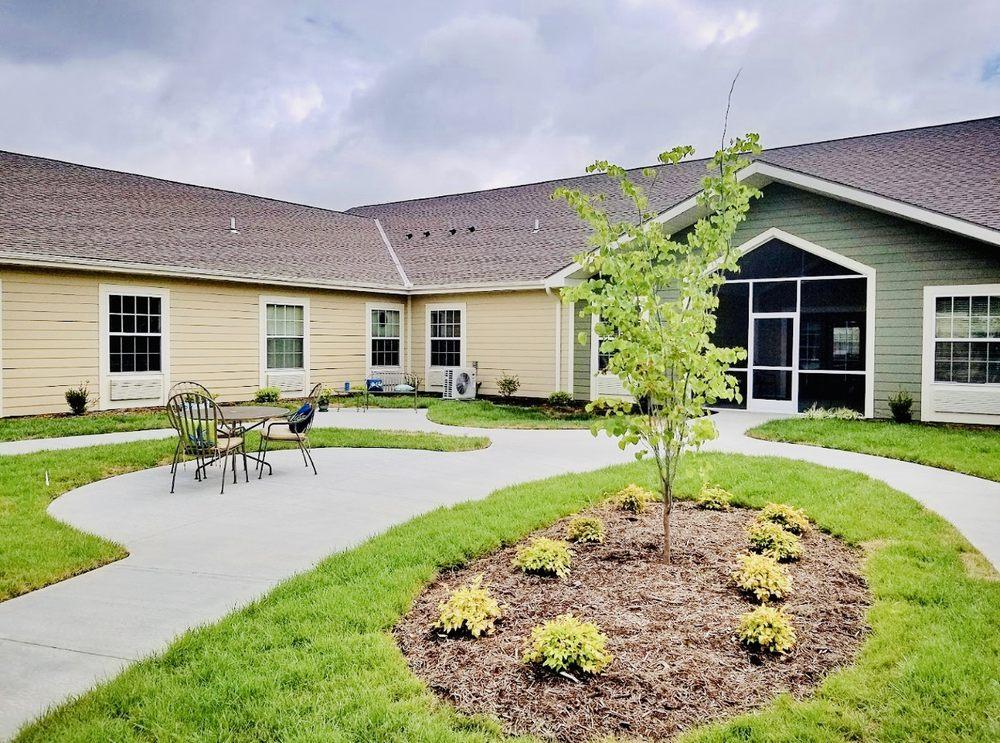 Oak Pointe of Kearney: 200 Meadowbrook Dr, Kearney, MO