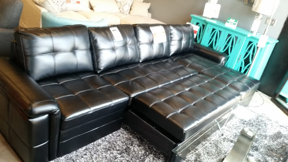 Sectional With Bed Pull Out! Floor Sample Sale 799