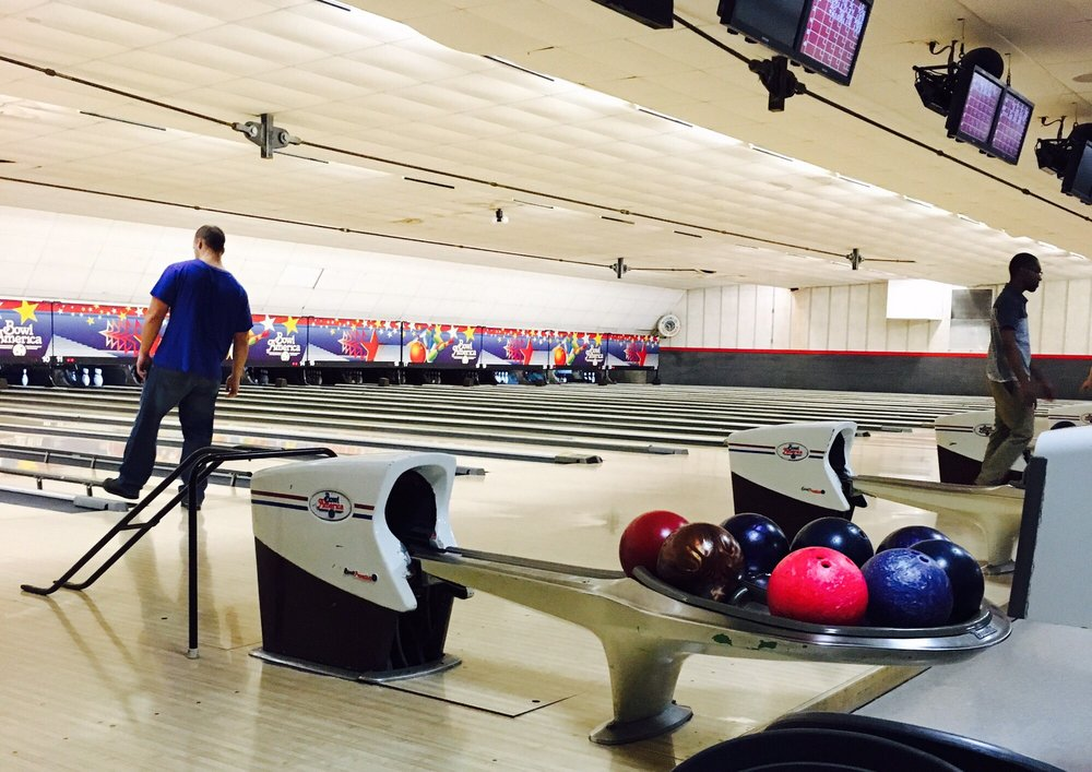 Bowl America - Falls Church: 140 S Maple Ave, Falls Church, VA