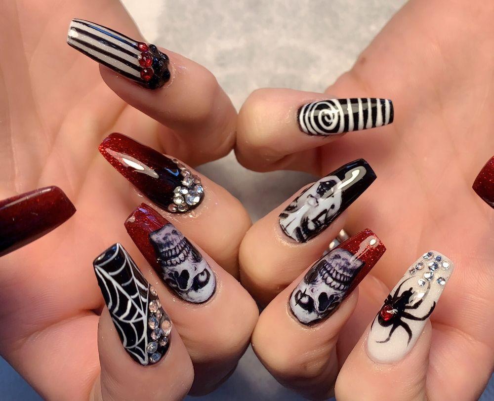 VIP Nails & Spa: 1022 N Susquehanna Trl, Selinsgrove, PA