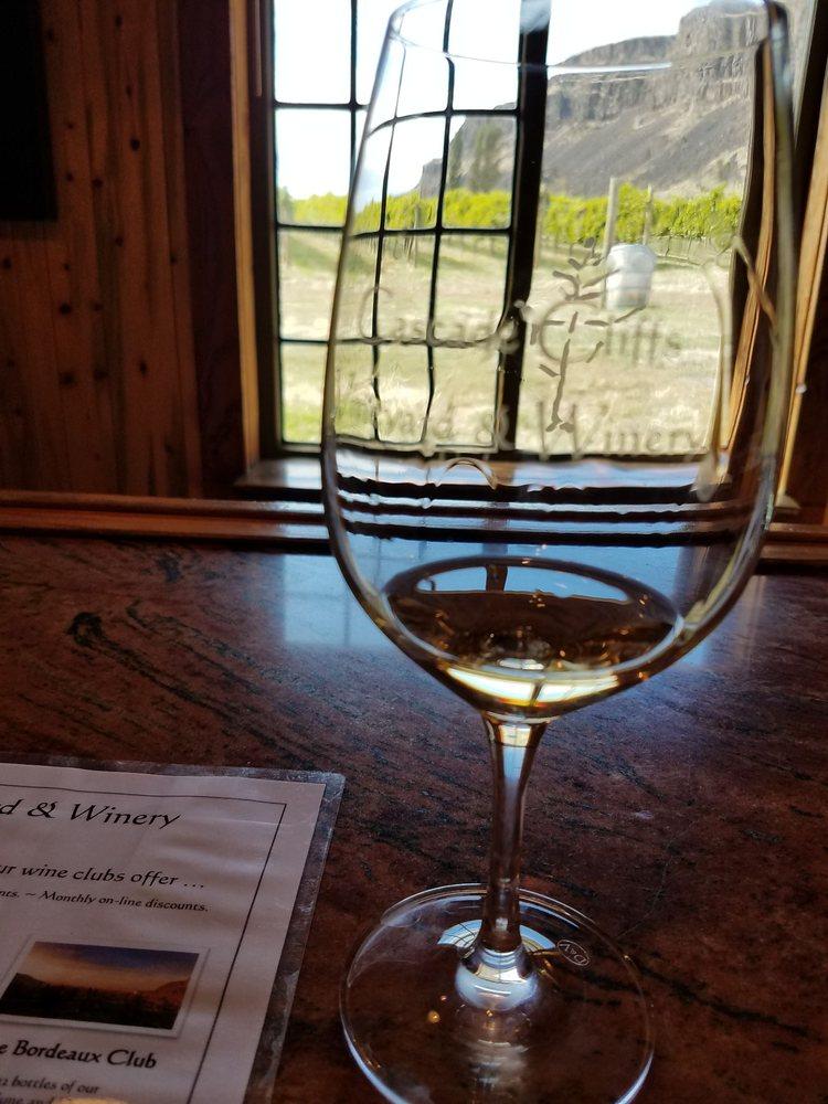 Cascade Cliffs Winery: 8866 State Rt 14, Wishram, WA