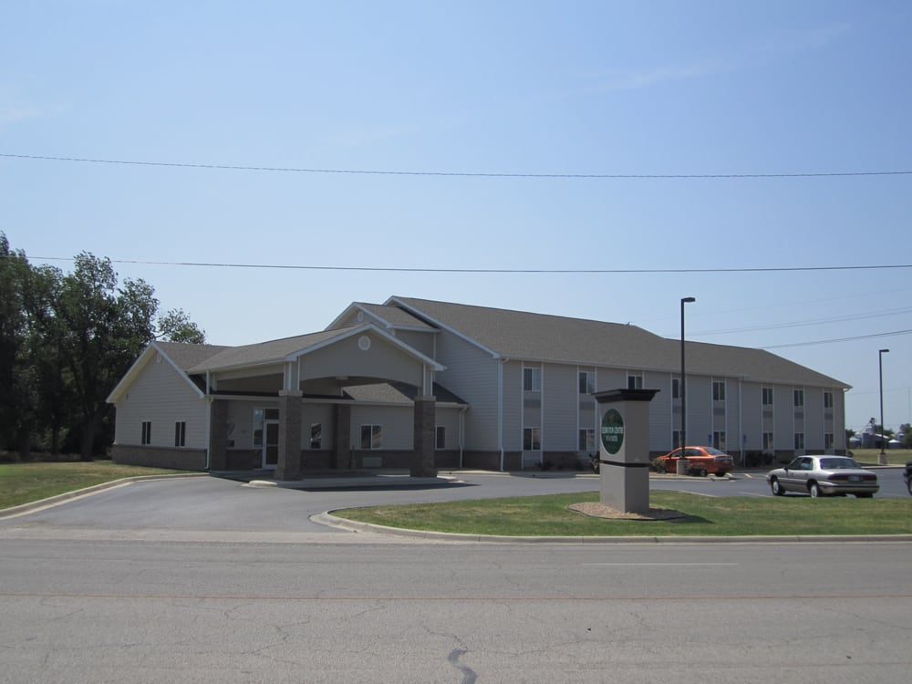 Celebration Centre Inn & Suites: 1108 E US Hwy 56, Lyons, KS