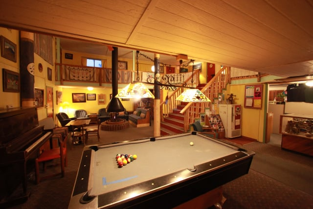 SnowMansion Taos Adventure Lodge & Hostel: 476 State Rd 150, Arroyo Seco, NM