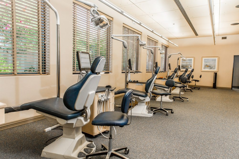 Linaker Orthodontics: 8070 N Oracle Rd, Tucson, AZ