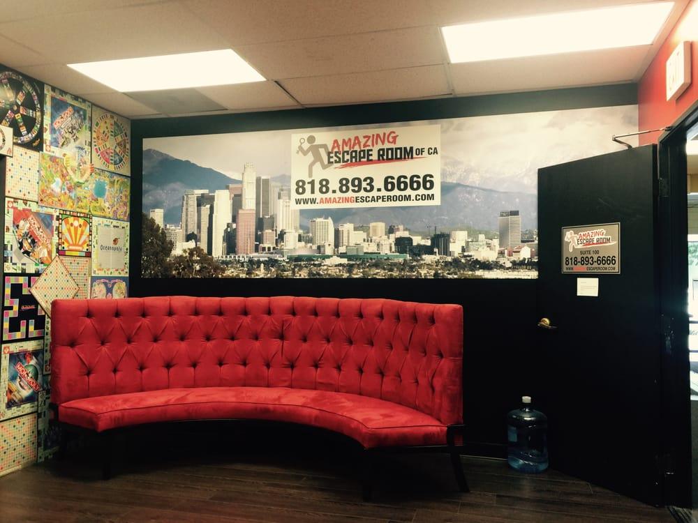 Amazing Escape Room: Amazing Escape Room Waiting Room!!