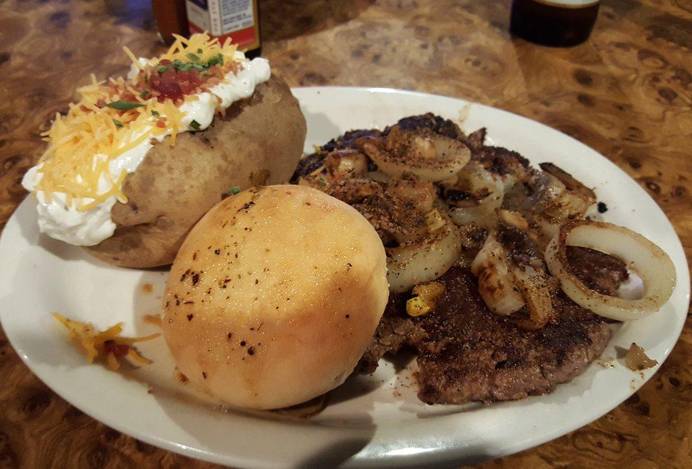 Mopey's Family Restaurant: 1693 Nashville Hwy, Lewisburg, TN
