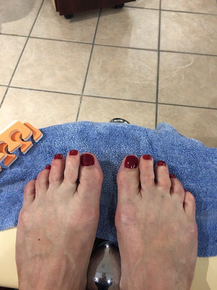 MT Nails & Spa: 4519 Vanguard Dr, Sheboygan, WI