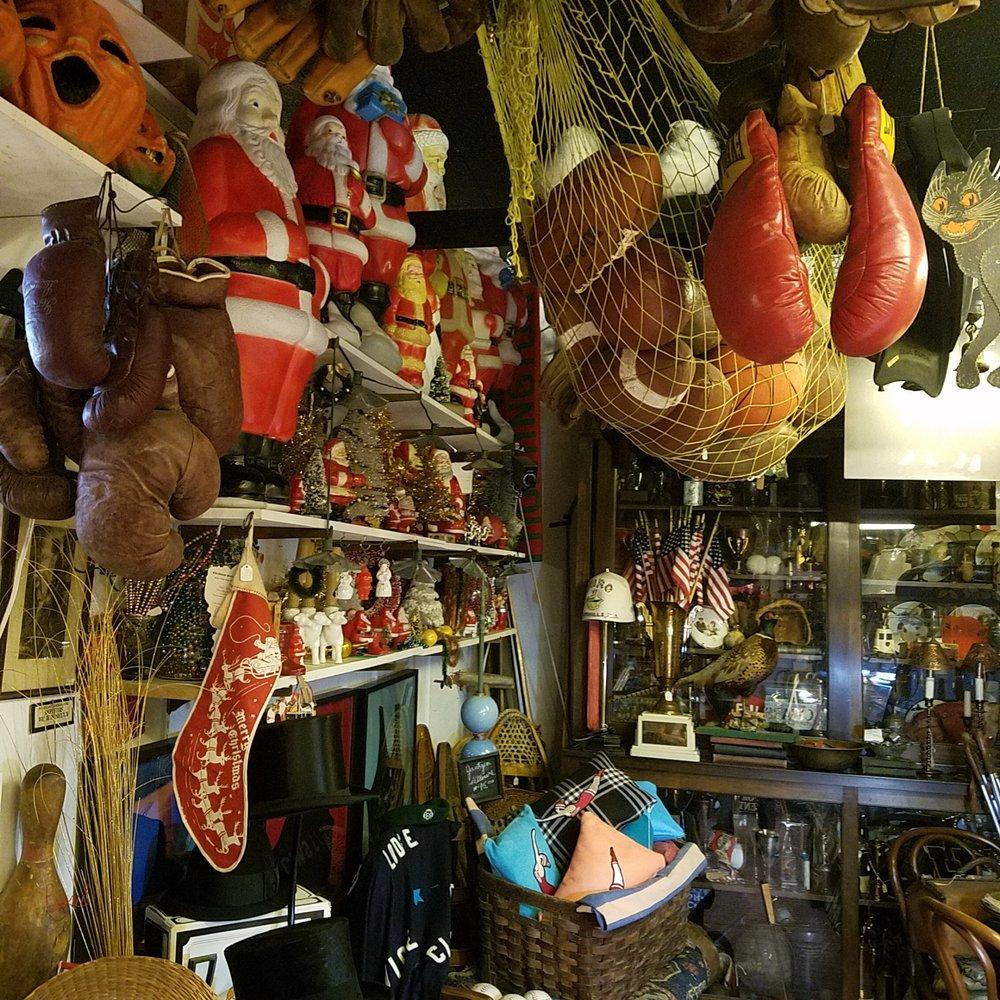 Wild Ostrich Antiques & Collectibles: 928 S Main St, Kokomo, IN