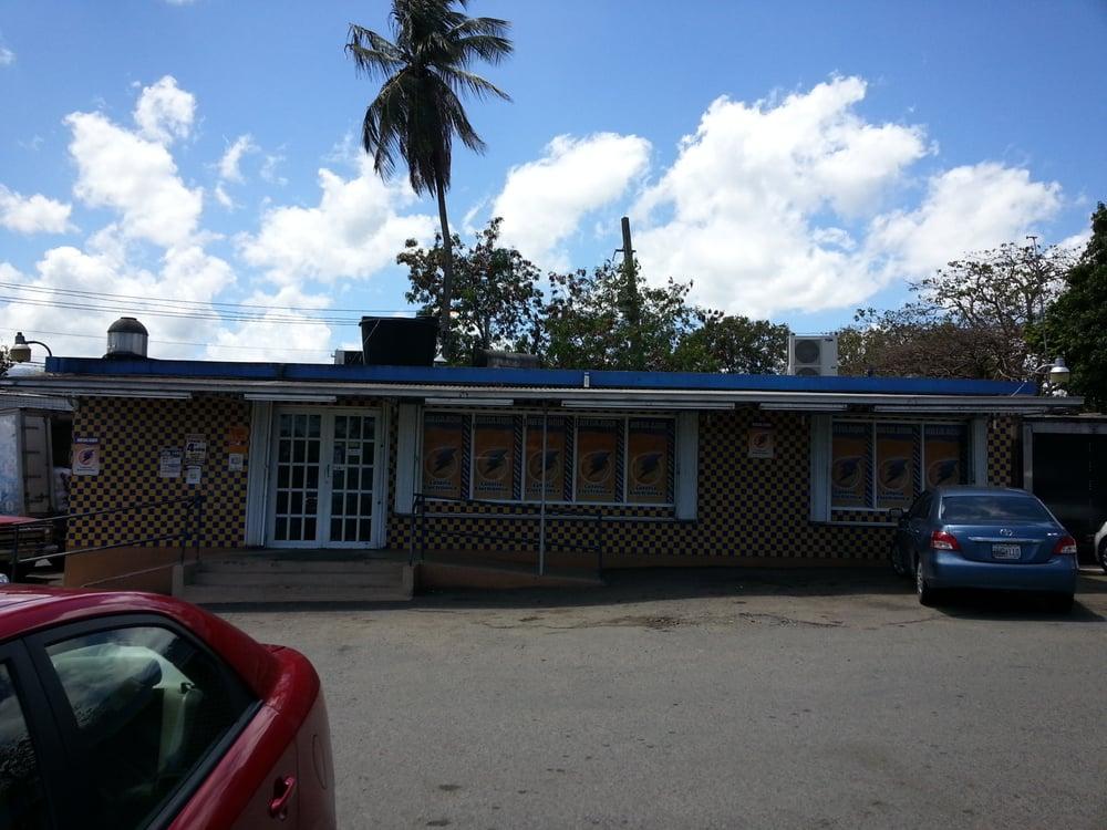 Panaderia Don Nico: Carr PR-3 Km 20.5, Río Grande, PR