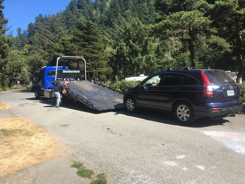 Towing business in Coos Bay, OR