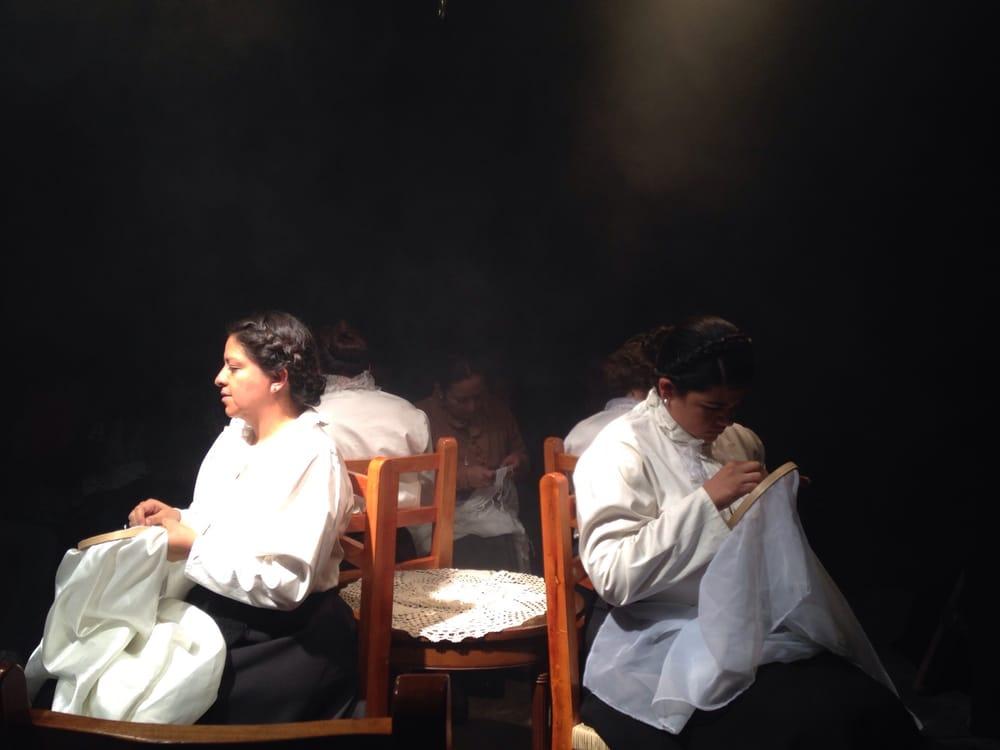 actores en escena en el teatro Rekámara de Puebla