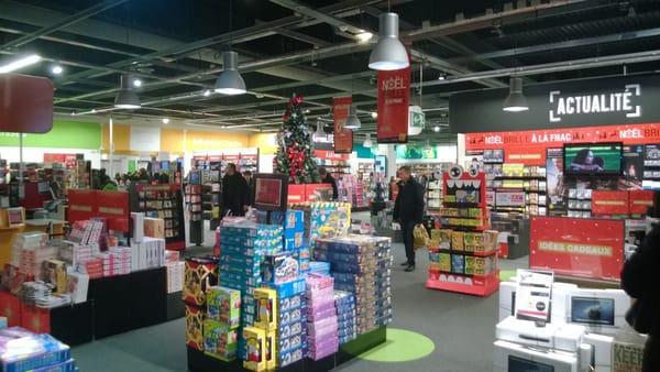 FNAC de Croix Blanche Department Stores 17 rue des Petits Champs, Sainte Genevi u00e8ve des Bois  # Fnac Saint Genevieve Des Bois