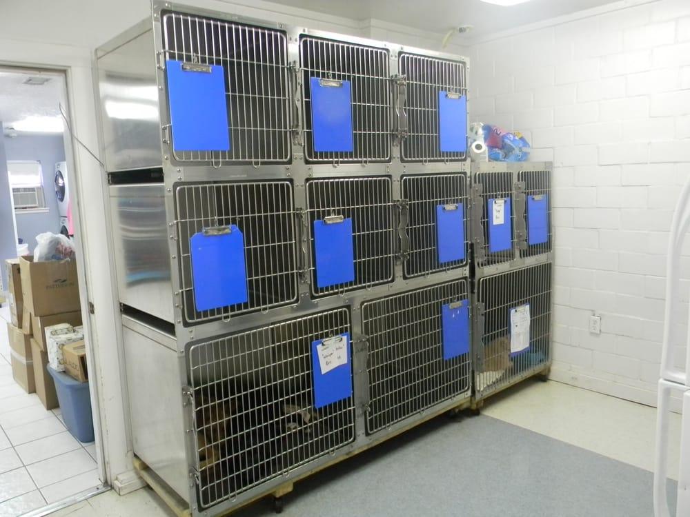 Paws & Claws Animal Hospital: 2243 Hwy 171, Deridder, LA