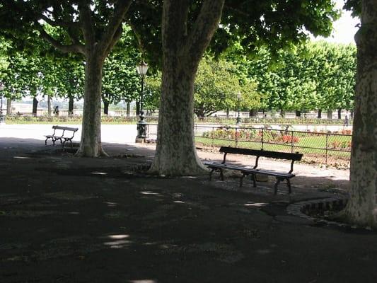 Jardins du peyrou 13 reviews parks bd professeur for Restaurant jardin montpellier