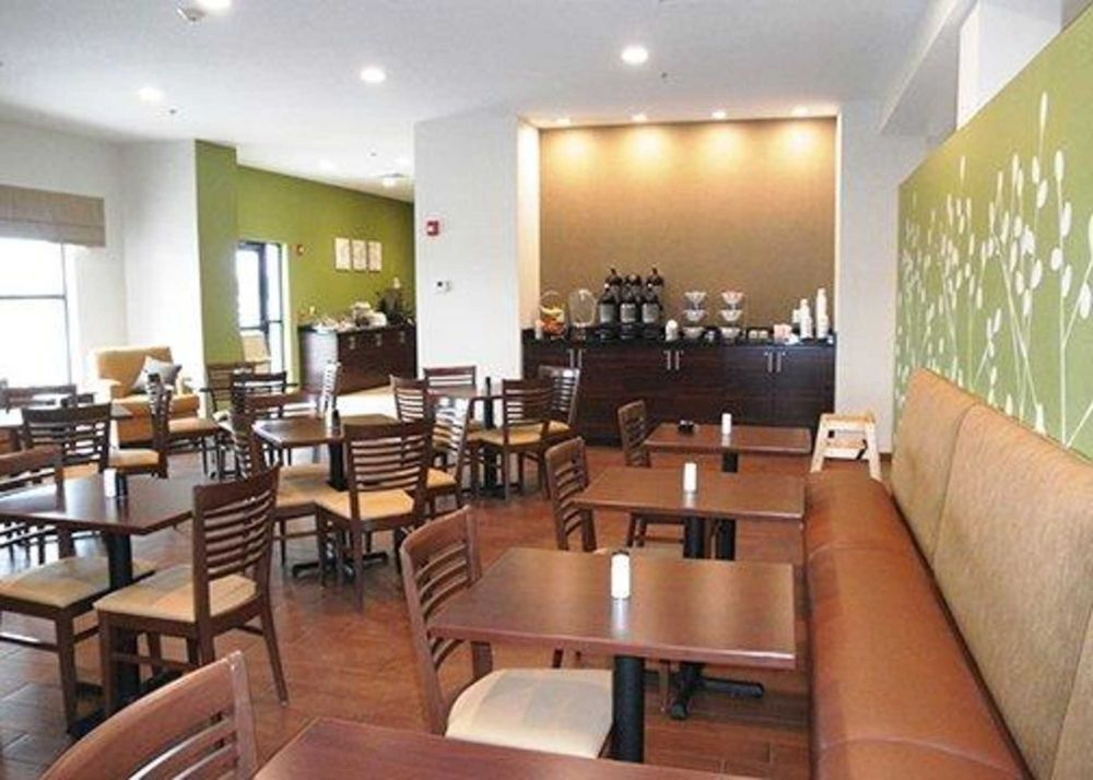 Photo of Sleep Inn & Suites Belmont / St. Clairsville: Belmont, OH