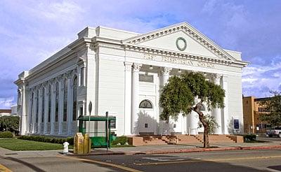First Presbyterian Church of Alameda: 2001 Santa Clara Ave, Alameda, CA