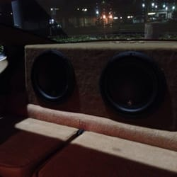Gold Star Audio - Irvine, CA, United States. 2 JL audio 10w3s in the back of the 911.