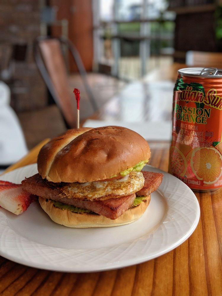 Malosi Island Cafe: 880 NE 25th Ave, Hillsboro, OR