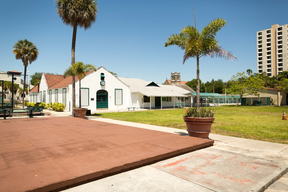 St Petersburg Shuffleboard Club: 559 Mirror Lake Dr N, Saint Petersburg, FL