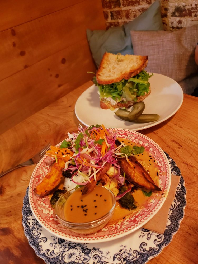 Concinitty Deli And Lounge: 102 Front St, Bath, ME