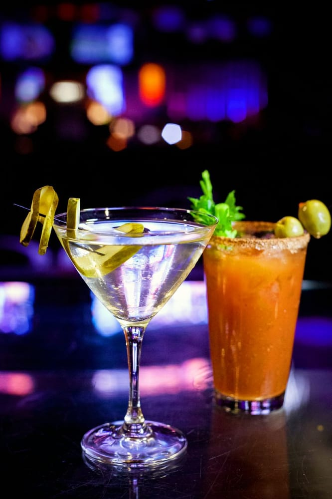 Palladium Sports Lounge: 777 Casino Ave, Thackerville, OK